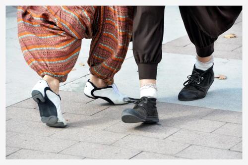 180929 64000 Pau Place de la Déportation Festivalito, milonga du château couple-8, soquettes de tango-PR